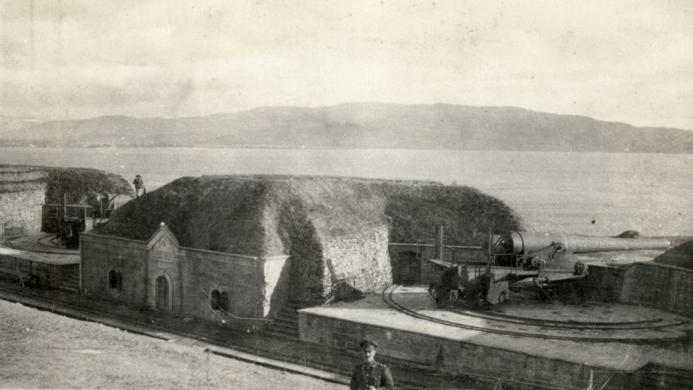 A view of the gun positions of the Kilitbahir Fort overlooking the Dardanelles, December 1918 - February 1919