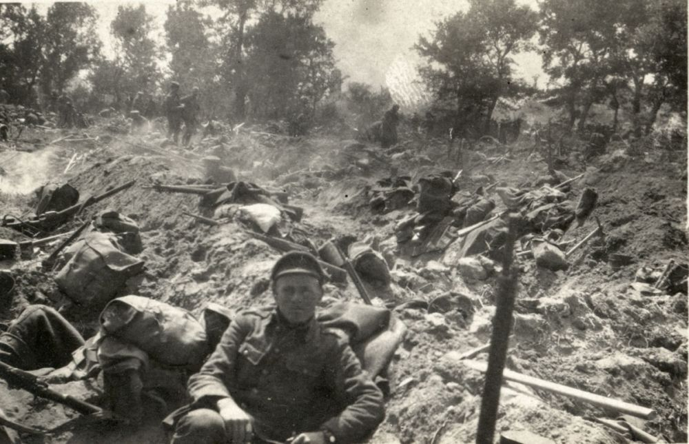 A view of some of the New Zealand Infantry Brigade at rest a day before the advance across the Daisy Patch.