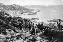 New Zealand and Australian soldiers landing at Anzac Cove on 25 April, 1915